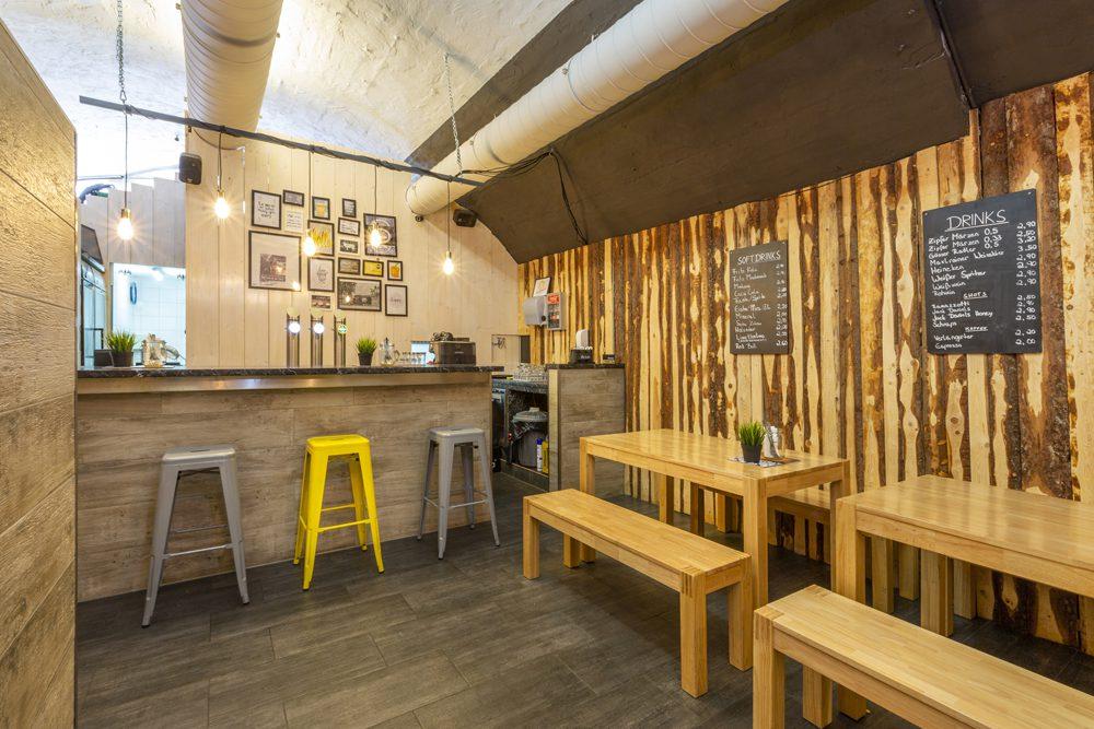 Road Diner Innsbruck - Lokal Mieten Bar und Sitzplatz viel platz ansicht