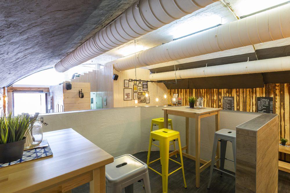 Road Diner Innsbruck - Lokal Mieten Bar und Sitzplatz oben
