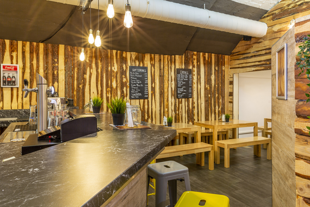 Road Diner Innsbruck - Lokal Mieten Bar und Sitzplatz