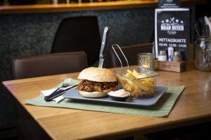 Road Diner Pulled Pork Burger